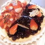 FLO・プレステージュ - タルト2種 (苺&ベリー3種)