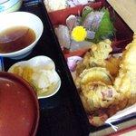 一文字 - お昼の定食♪ コーヒーとお菓子付で1000円
