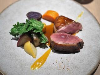 タストゥー - 青森県産小鴨胸肉のラケ 金柑のソース