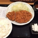 45982018 - ロースかつ定食@700円