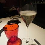 45984086 - 「シャンパン」のグラス