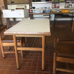 福助 - テーブル席