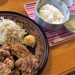 憩 - 料理写真:手作り鶏のから揚げ定食 ¥1,100-