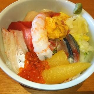 みわ久 - ド~ンッと 旨・海鮮丼<松>❤ . :。 ヾ(◎´∀`◎)ノ 。: .