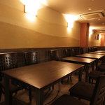 岩むら - テーブル席は28名様までのご利用が可能です。