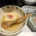 札幌かに家 - カニ豆腐