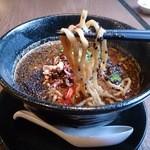 タイガー軒 - 太麺です(黒胡麻担々麺)