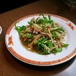 タイガー軒 - ピーマン肉細切り定食 850円(税抜)ご飯とスープはセルフです
