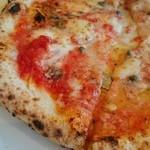 45992251 - ピザすっごく美味しい!生地に味わいがあります。