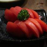 たん焼 忍 - 冷やしトマト