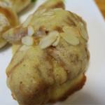 ベーカリーブランシュ - 料理写真:甘い系のパン
