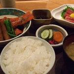 4600426 - ランチ・茶屋ご飯(お刺身と煮魚)
