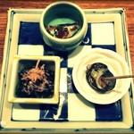 46002815 - お通し(小鉢3点盛り)                         ・イワシの梅煮                         ・ほうれん草おひたし                         ・サザエ