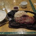 フジヤマ - 出てきたばかりの「サーロインステーキ200g」