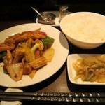 瑞雪 - 鶏肉の沙茶醤炒め