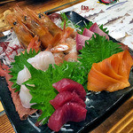 港釧路の炉端焼き 虎や - 豪快刺身5点盛り(2015年12月)