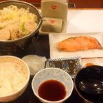 すき家 - 鶏つくね鍋定食¥580&シャケ¥220&のり¥30 ※2015年12月