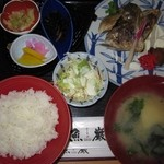 魚巌 - 料理写真:2015年のカマ塩焼定食(ハマチ・カンパチ)1180円