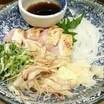 泳ぎイカ 九州炉端 弁慶 - 地鶏のたたき