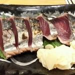 泳ぎイカ 九州炉端 弁慶 - 鰹の藁焼き