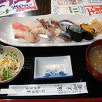 4601945 - 水曜日ランチ 特上握り寿司