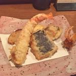 46010370 - 天ぷら(車海老、イカ、牡蠣、茄子、玉ねぎ)
