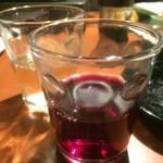 やぶ家 - 手前赤ワイン、奥白ワイン