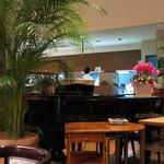 サンマルク - ピアノの生演奏サービス。