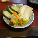 七津屋 - 漬物160円