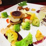 マンダリン マーケット文華市場 - 【夜】福岡・糸島県産野菜をメインにしたベジタブルチャイニーズの中華店です。今回は、2,500円のコースに飲み放題1,500円をつけました。