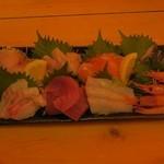 浜焼次郎 - 刺身8種盛り¥1980