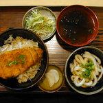 4602558 - 伊勢かつ丼と伊勢うどん半盛りのセット(900円)(2009/10/06)