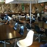 ビュッフェレストラン ジョーズ・キッチン - 店内はワイルドテイストな雰囲気。