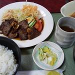 民宿&和風グリル瀬戸 - 料理写真:焼肉定食