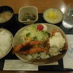 グリーンオアシス - 料理写真:チキン南蛮とエビフライ定食¥720-
