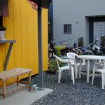 ぶぶ - ベンチ席とテーブル席