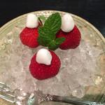 神戸吉兆 - 単品でオーダーしたイチゴ 750円