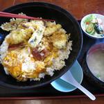 割烹 一の矢 - びっくり丼 あなご天丼とうな玉の2色丼 1600円外税 (^^@