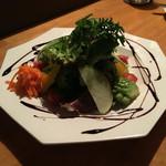 Metti,una sera a cena - 季節野菜のサラダ