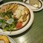 珈琲新鮮館 - チキン南蛮にセットのポテトフライが。
