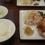 46040179 - 焼鶏定食980円