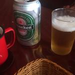 カウボーイ - ドリンク写真:ビールは缶のハイネケン 500円