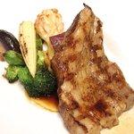 46046542 - ランチコース 2700円 の国産銘柄豚の麦酒マリネをグリエ 焼き野菜と共に
