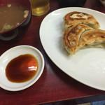 中華料理 若松 - 半餃子(^∇^)
