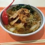 どうとんぼり神座 - 蒸し鶏と白髪ねぎのおいしいラーメン880円