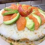 居酒屋 飛躍虎 - かやくご飯で作った、お寿司のケーキ。3層になってて大好評です❗️