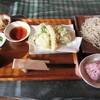 つづみぐさ - 料理写真:【そばセット(かけorもり) 1500円】(海老・きす・野菜5品・小鉢・古代米おにぎり2ヶ)