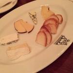 アロアロ - チーズ盛り合わせ♪