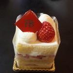 46064270 - 苺のショートケーキ