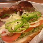 サブウェイ - 新ローストビーフ セサミ(焼)、野菜たっぷり、特製ホースラディッシュソース 490円